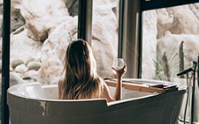 Как выбрать ванну: особенности материалов и полезные советы